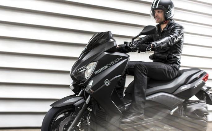 Yamaha X Max 400 Momo