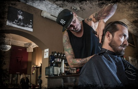 Der Barbier von München: Bash Club