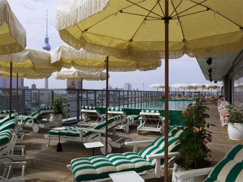 Pool und Rooftop Soho House Berlin