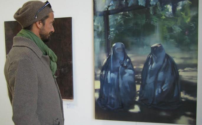 Bru bei der Vorbesichtigung in der Kunstakademie