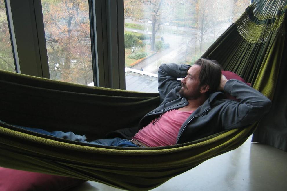 Bru relaxt im 25hours Hotel Bikini Berlin