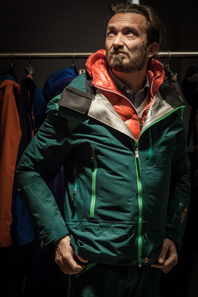 Bru mit Freeride-Kleidung von Mountain Force