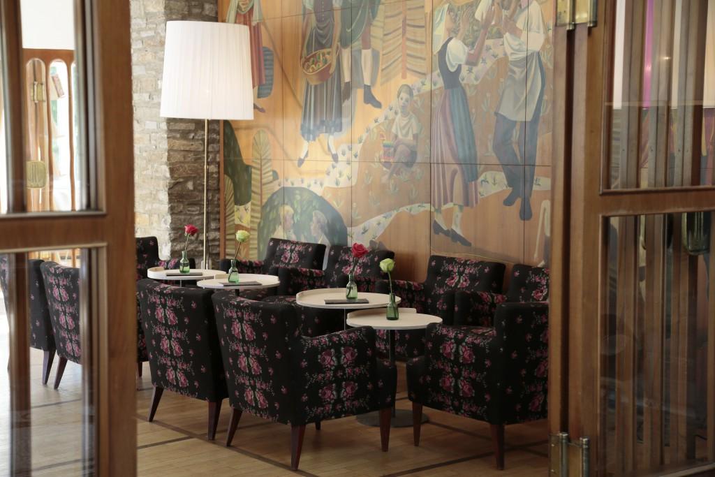 Die Bar und Lounge im Hotel Miramonte
