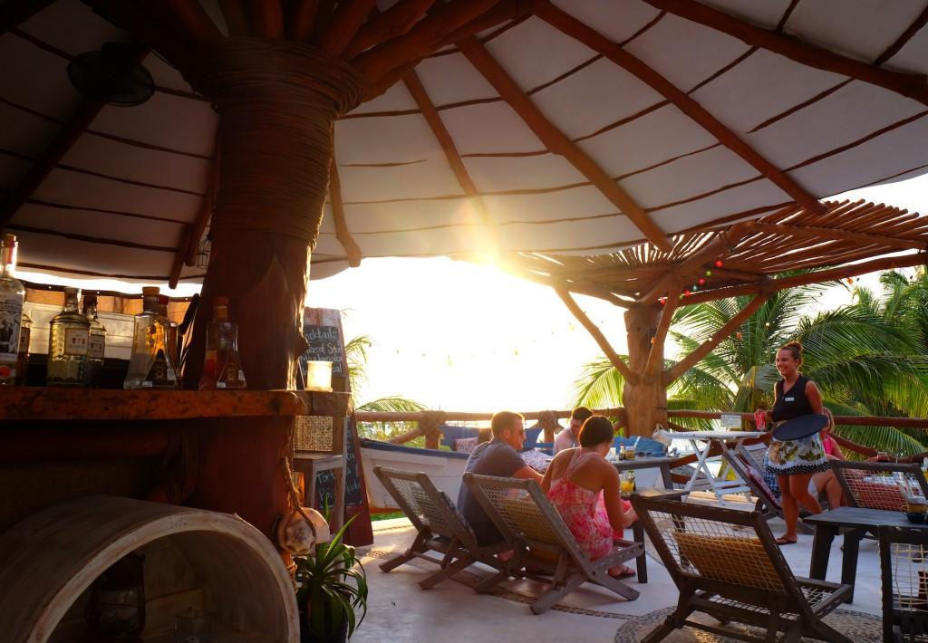 Sundowner auf der Hotelterrasse