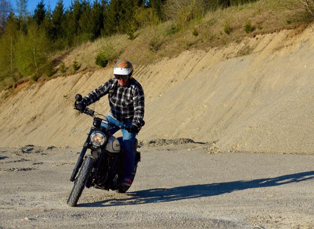 Die Ducati Scrambler mit Motocross-Lenker