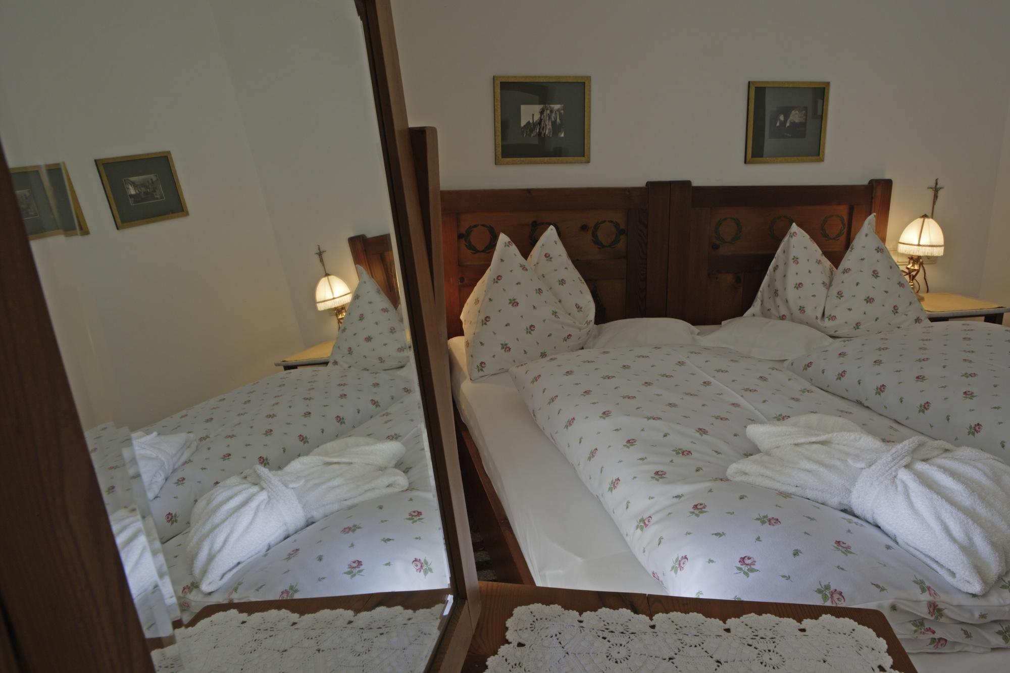 bozener brise parkhotel holzner bru 39 s alles f r m nner. Black Bedroom Furniture Sets. Home Design Ideas