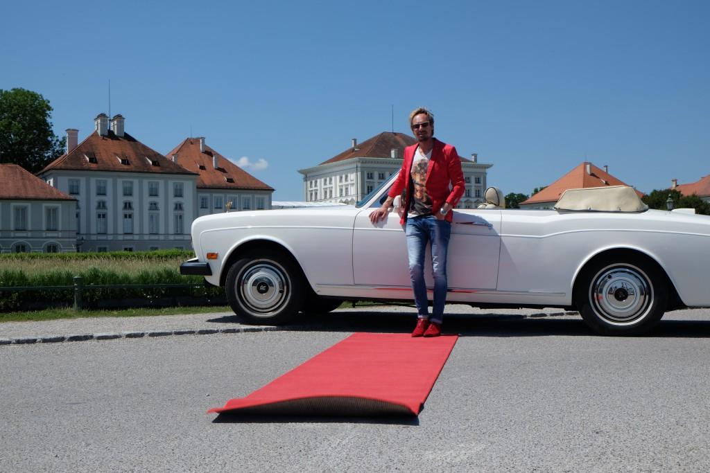 Für seine Mitfahrer rollt Stephan den Roten Teppich aus...