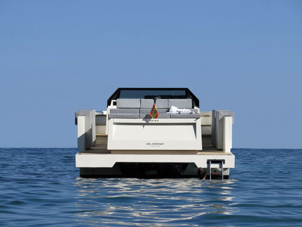 De Antonio D33 - das perfekte Allrounder-Boot