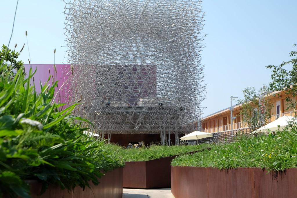 Der englische Paviilon überzeugt mit Bienenkorb-Architektur