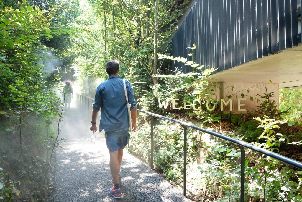 Der österreichische Pavillon ist ein kühler Wald