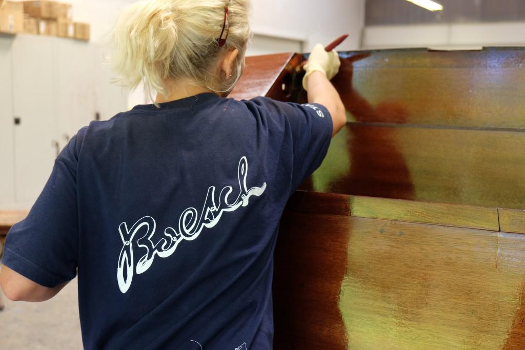 DIe Boote werden bis zu zehn Mal lackiert!