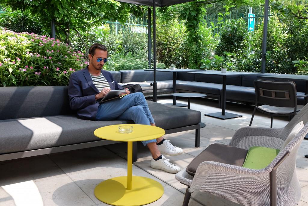 Bru bloggt im Garten