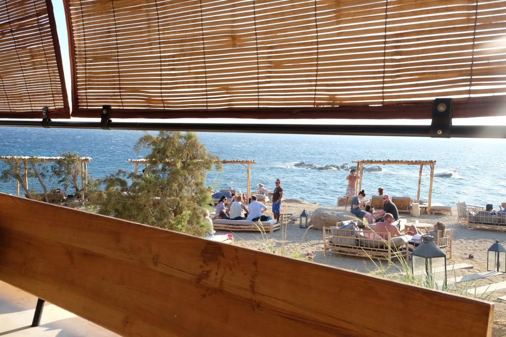 Blick aus dem Restaurant des Scorpios Beach Club Mykonos