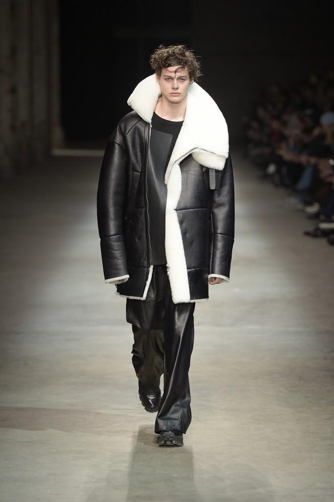 Oversize und genderless: die Mode von Juunj