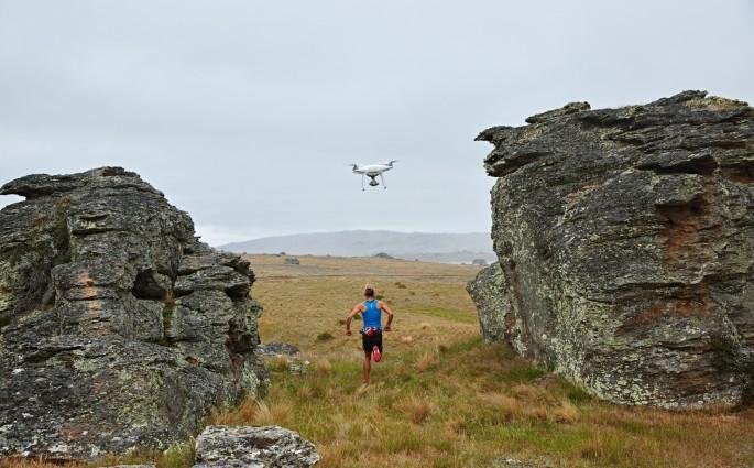 Fliegender Begleiter: die Phantom 4 Drohne
