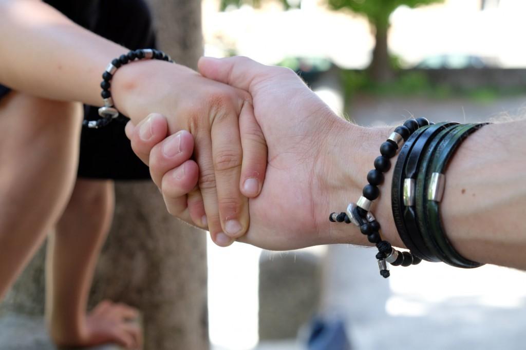 Hält zusammen: das Armband Black Knight von 8and7