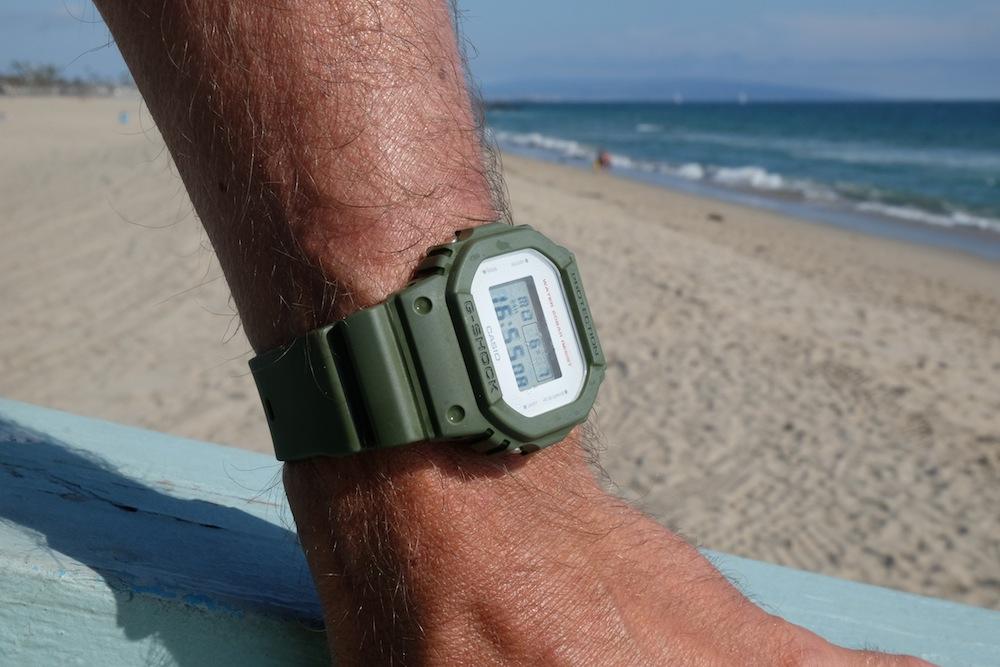 Die Uhr gibt es in coolen, stylishen Farben