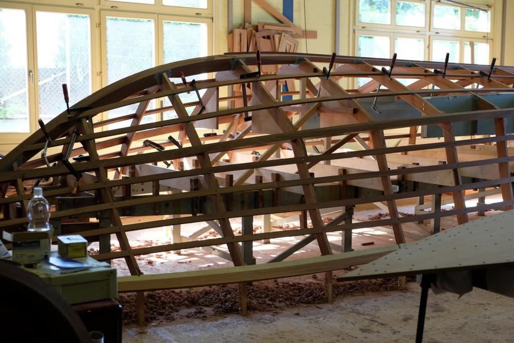 Stück für Stück wird das Boot von Hand aufgebaut