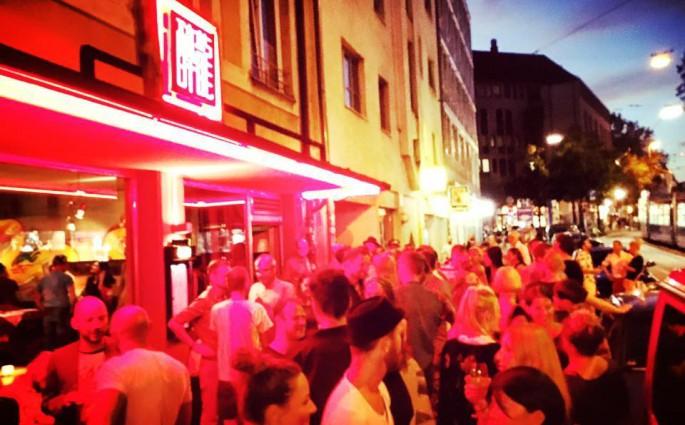 Die Drunken Dragon Bar im Glockenbachviertel
