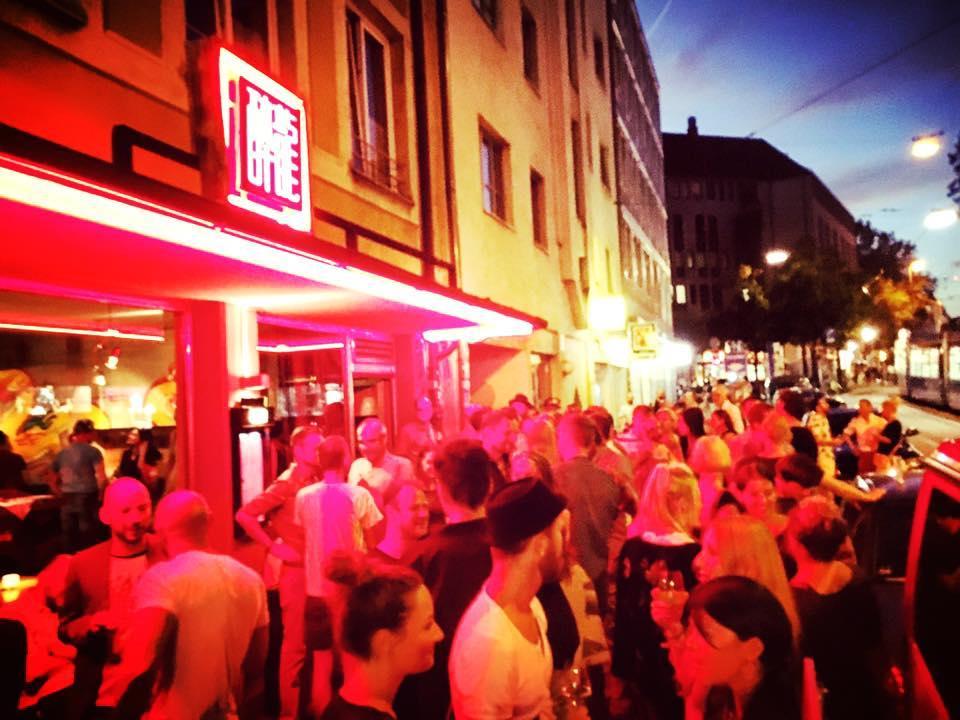 Neuer Hotspot: die Drunken Dragon Bar