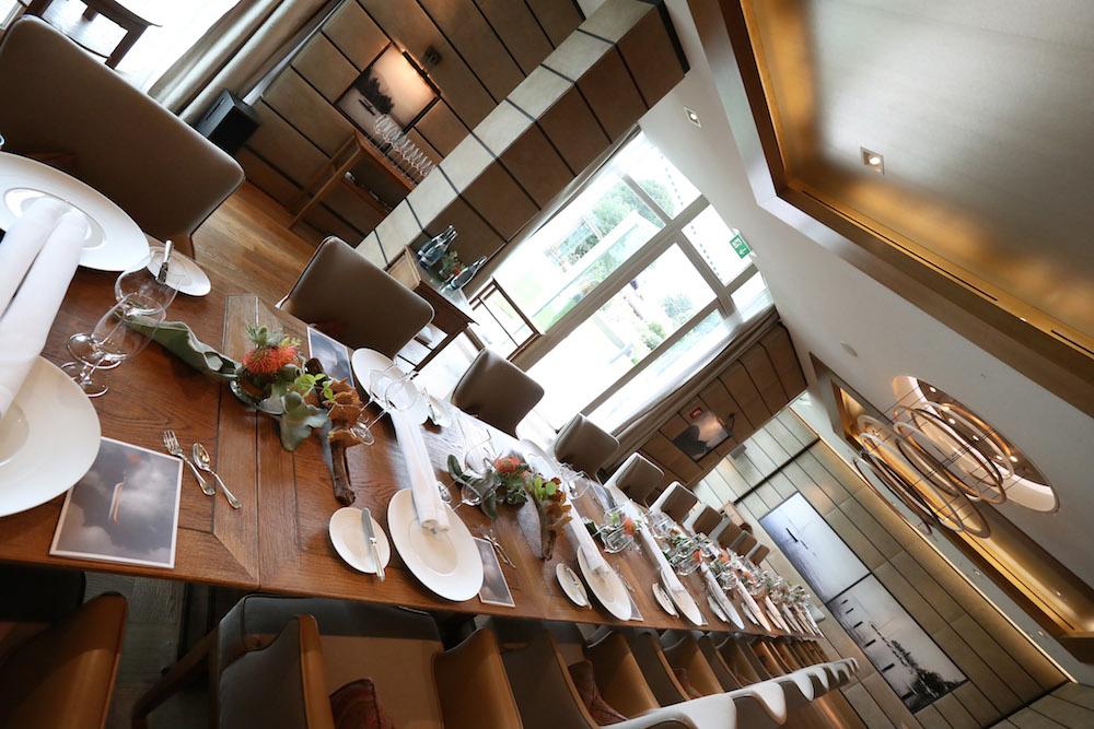 Gedeckter Tisch im Seehotel Überfahrt