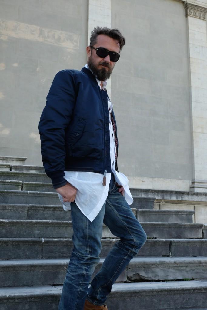 Ich kombiniere die Jacke mit einem überlangen Hemd