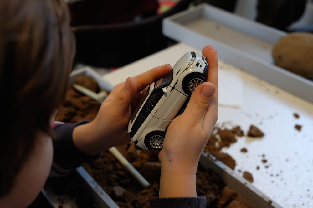 Valentin hat einen Land Rover ausgegraben!