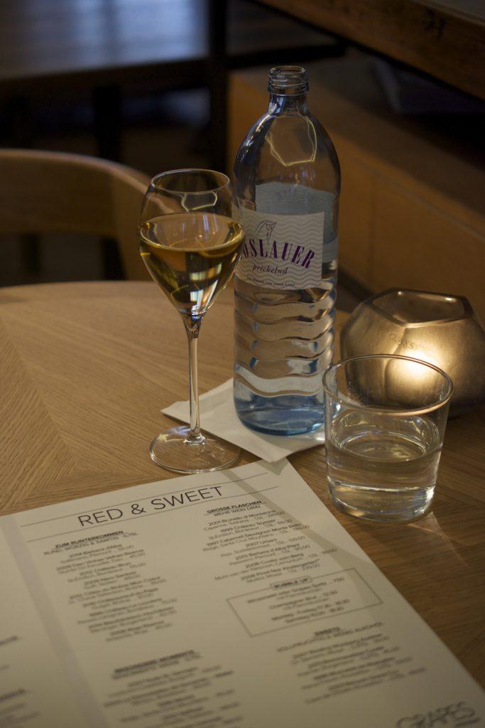 Wein oder Wasser? Eine rhetorische Frage im Grapes