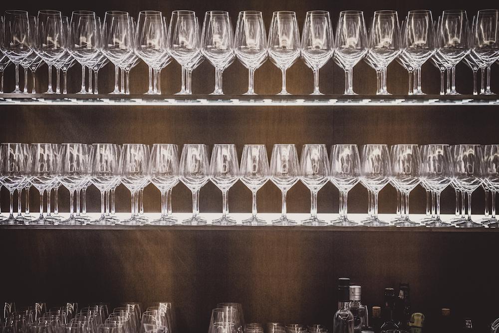 Noch alle Gläser im Schrank - aber ja!