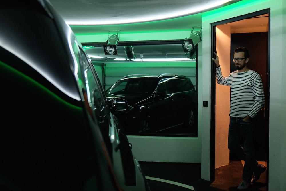 Den Wagen parkt man direkt neben der Suite