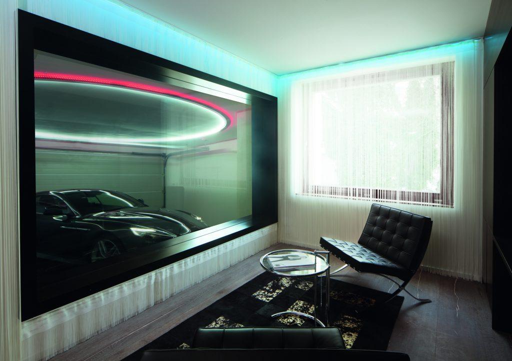 Wäre ich James Bond, hätte ich den Aston Martin immer im Blick...