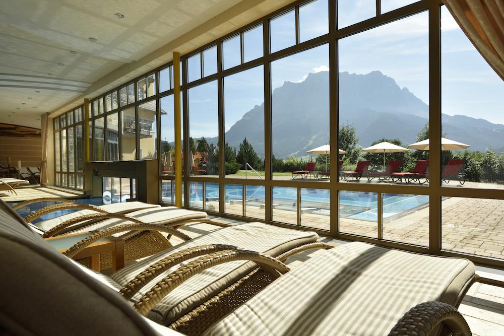 Der Spa und Pool-Bereich des Hotel Post Lermoos