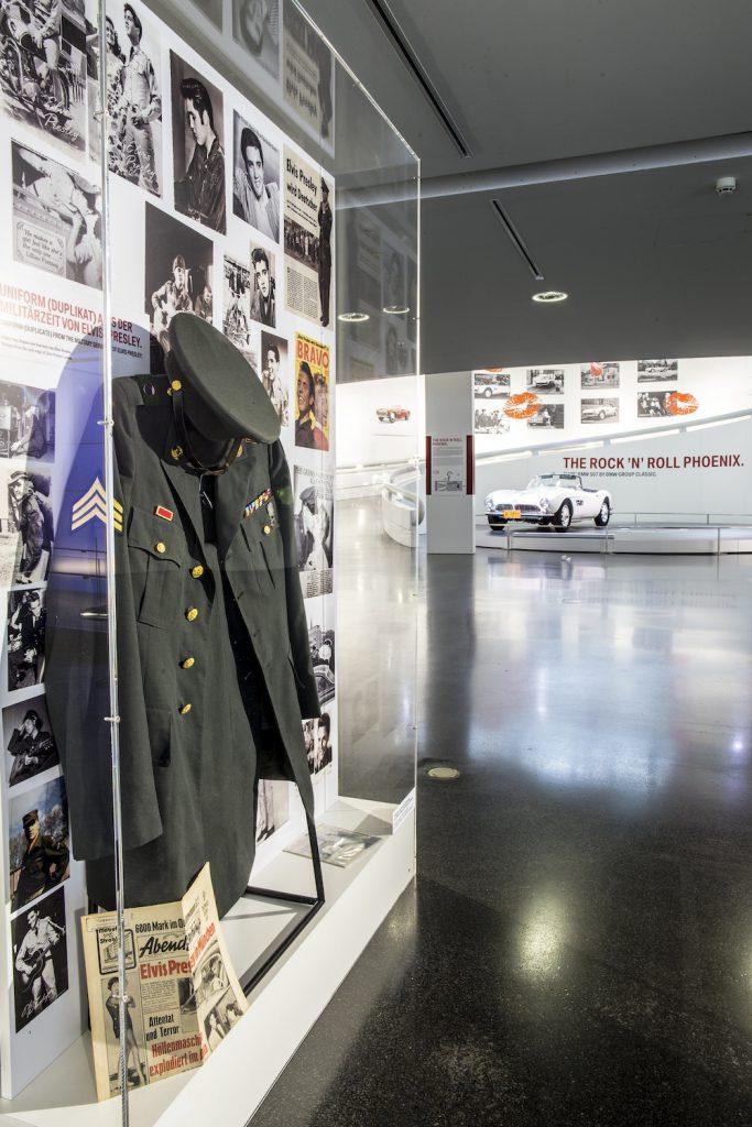 In der Ausstellung ist auch Elvis' Uniform zu sehen