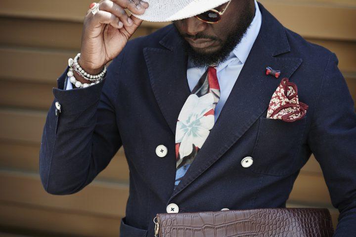 Perfektes Männeroutfit mit Krawatte