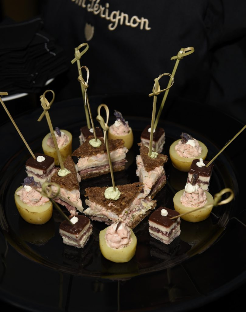 Passte perfekt zum Champagner: das Flying Buffet von Käfer