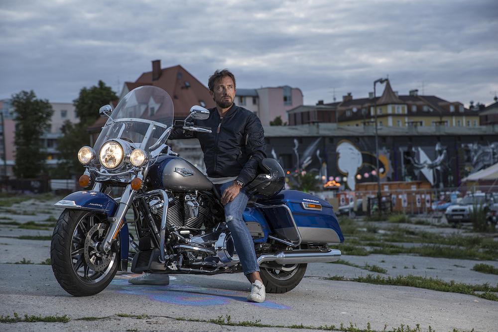 Nur ich und meine Harley...