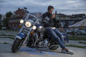 König der Nacht – mit der Harley-Davidson Road King