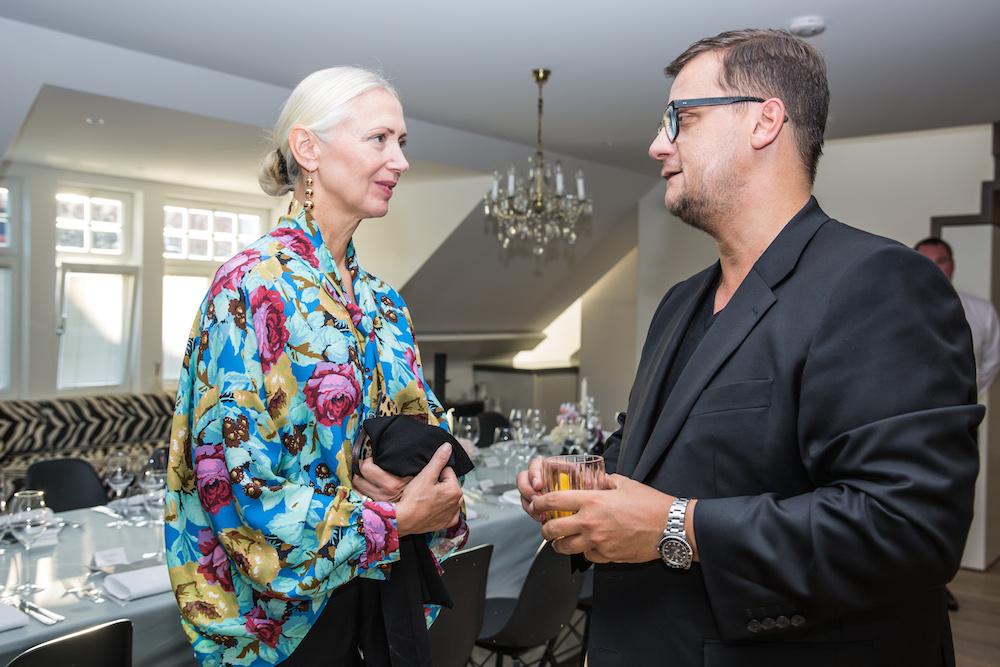 Die Chef-Redakteurin der deutschen Vogue, Christiane Arp, mit dem Gastgeber Torsten Koch von Constantin