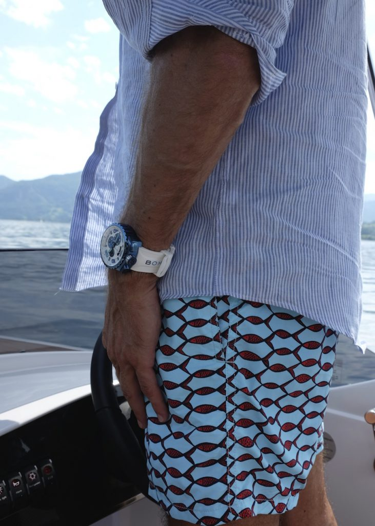 Wer mit dem Boot unterwegs ist, braucht eine passende, unkomplizierte Uhr