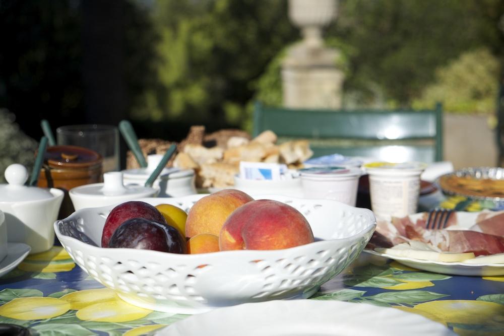 Frühstück im Garten - ein Traum!