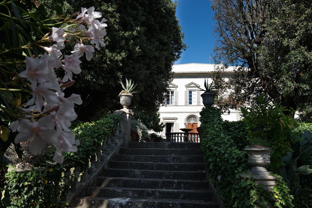Die Villa ist eine klassische toskanische Villa aus dem frühen 19. Jh.