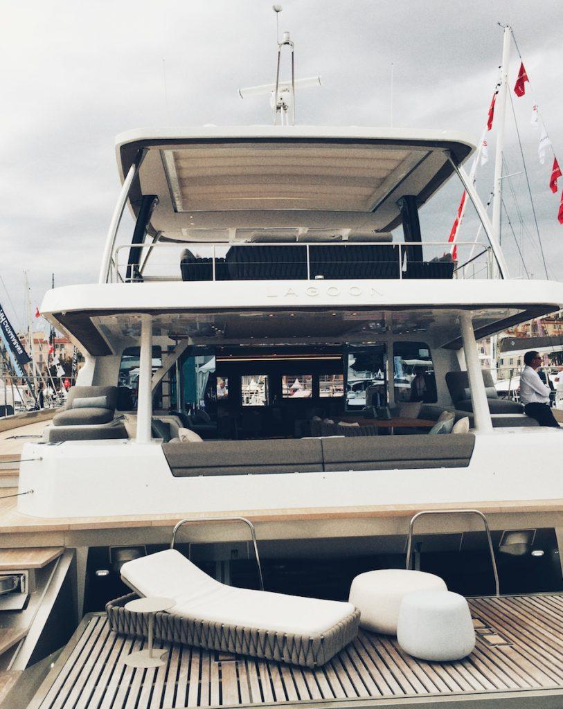 Was kostet die Welt? Yacht in Cannes