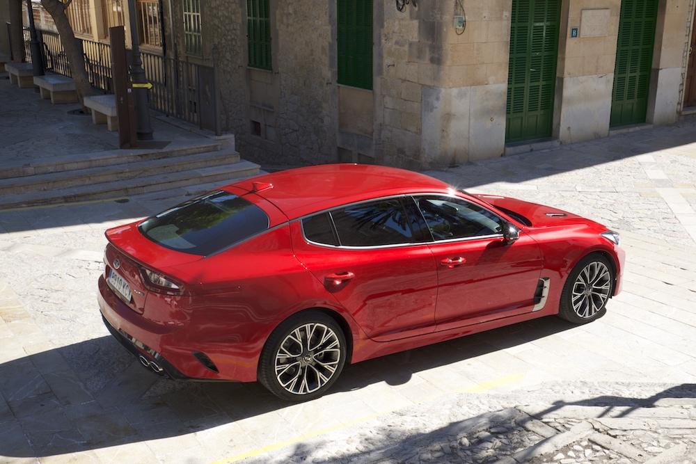 Der Kia Stinger macht sich auch gut in den engen Straßen Palmas...