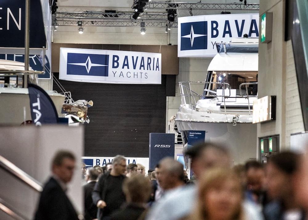 Viel Gedränge am Stand von Bavaria Yachts