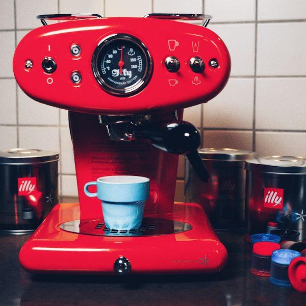 Design meets Kaffeekunst: Illy Iperesspresso X1