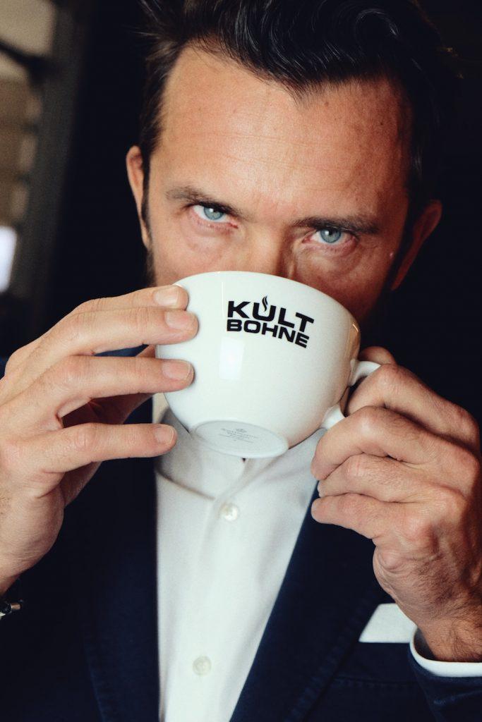 Der Kaffee? Schmeckt!