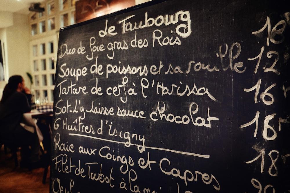Serviert wird französische Bistro-Küche, wie man sie aus Paris kennt