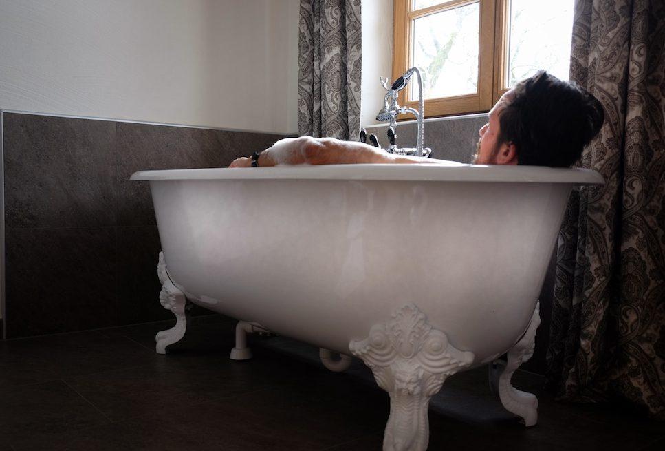 Schloss Mittersill hat eine Badewanne mit Aussicht in vielen Zimmern