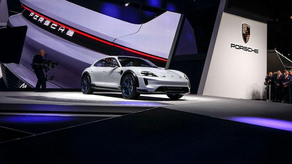 Porsche E Cross Turismo auf dem Genfer Autosalon 2018