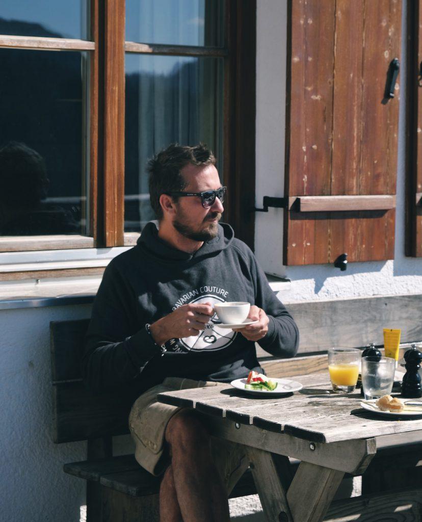 Frühstück auf der Terrasse des Wallberghaus